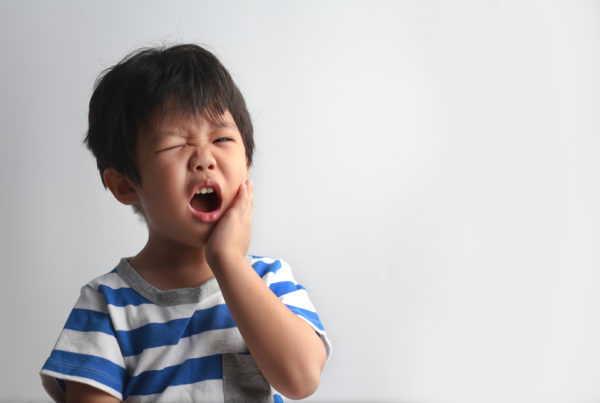 young-child-with-tooth-pain